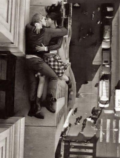 Billy Rood Vertiginous Couple Kissing NYC